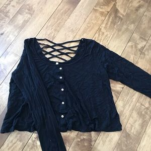 Tops - Cute black shirt